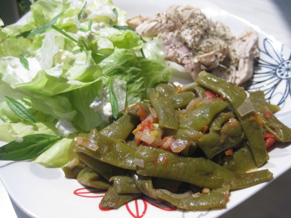 Roquefort salad, green beans, chicken breast