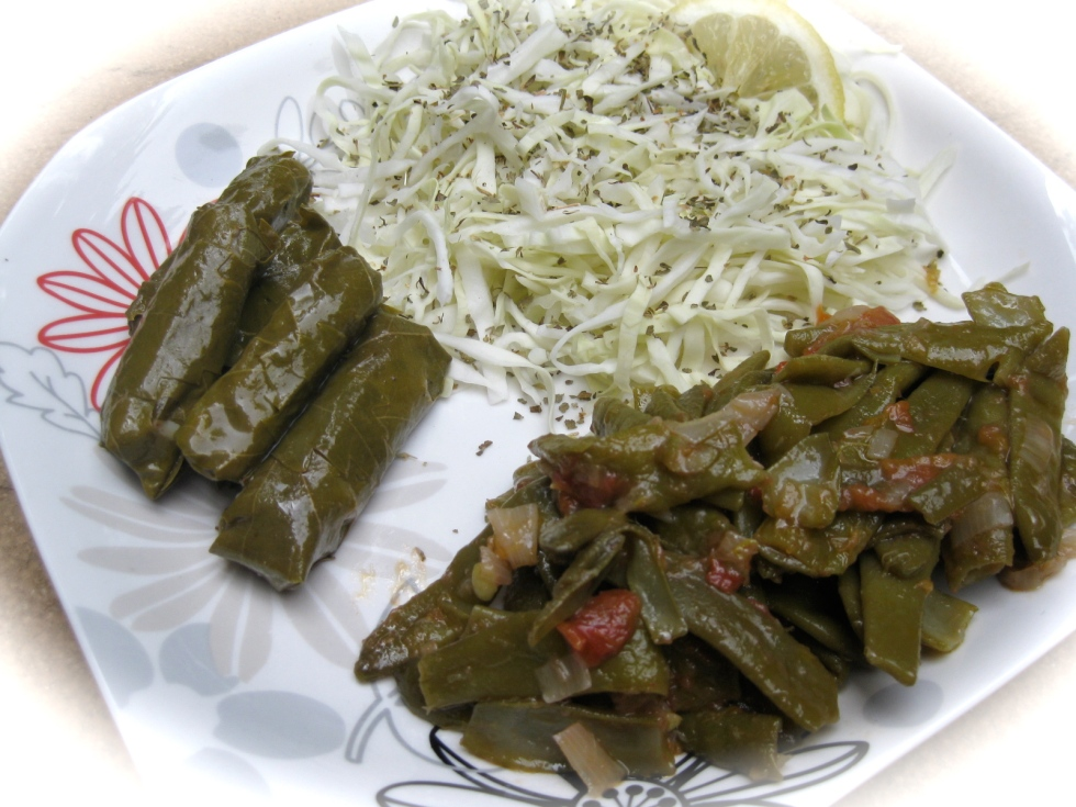 Vine leaves, cabbage and green beans