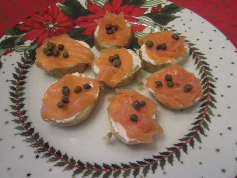 Smoked salmon holiday bites