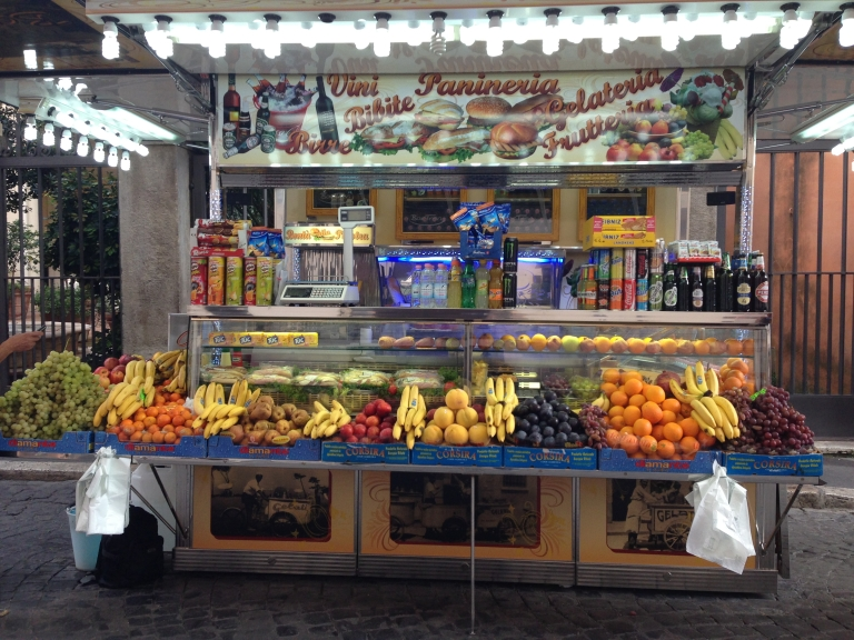 streets vendors in rome