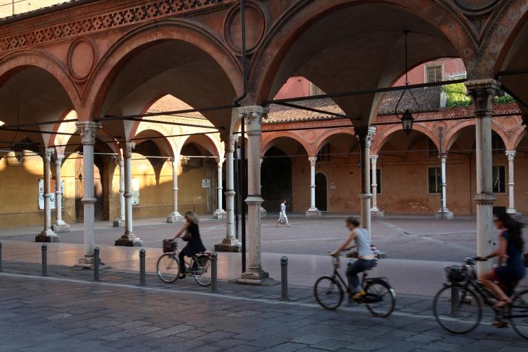 basilica-di-santa-maria-dei-servi-portico